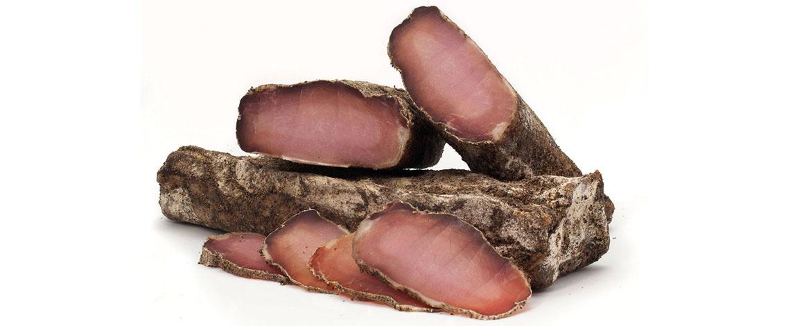 embotit-curat-llom-pebre-lomo-curado-cured-pork-loin