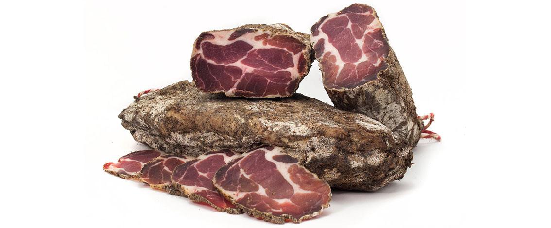 embotit-curat-cap-de-llom-pebre-lomo-curado-a-la-pimienta-cured-pork-head